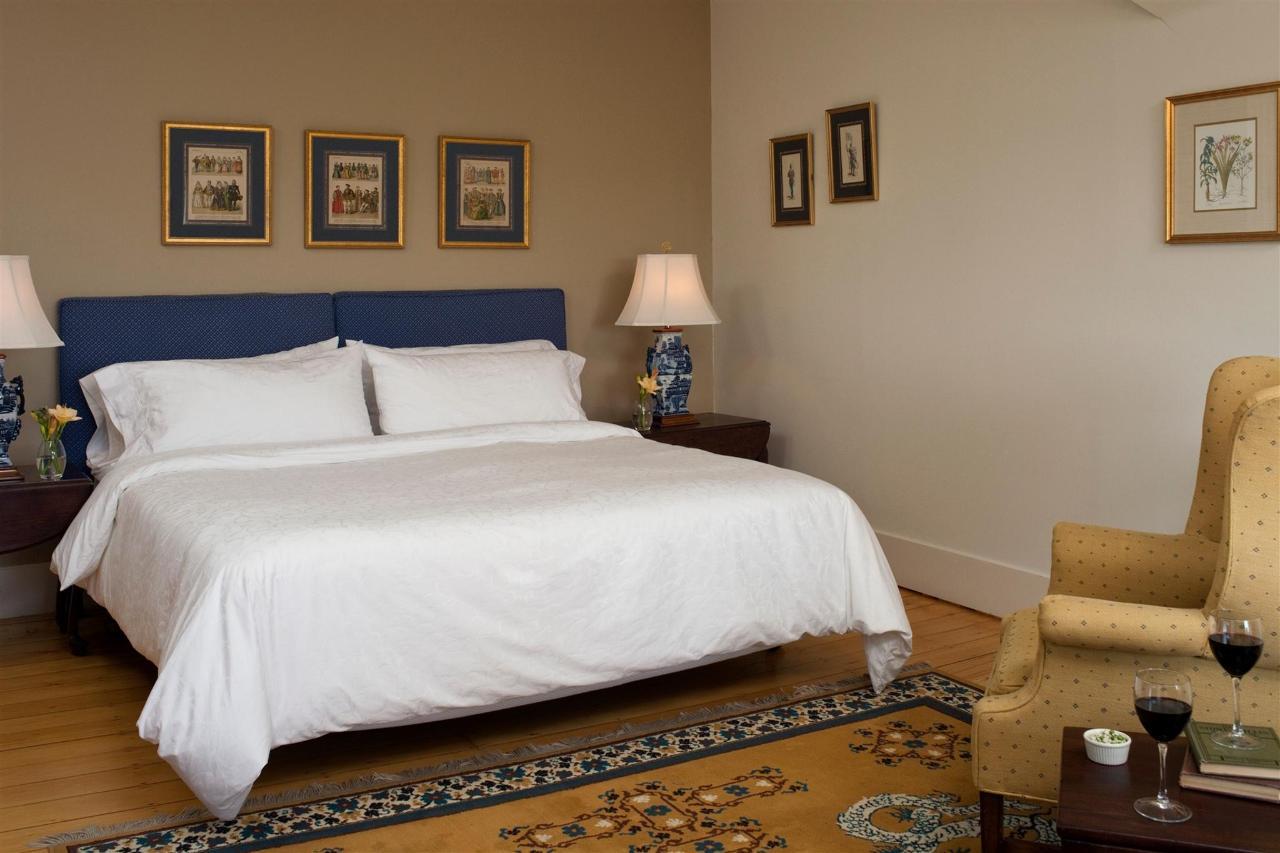 guestroom-balmoral-2-2684683871-o1.jpg.1920x0.jpg
