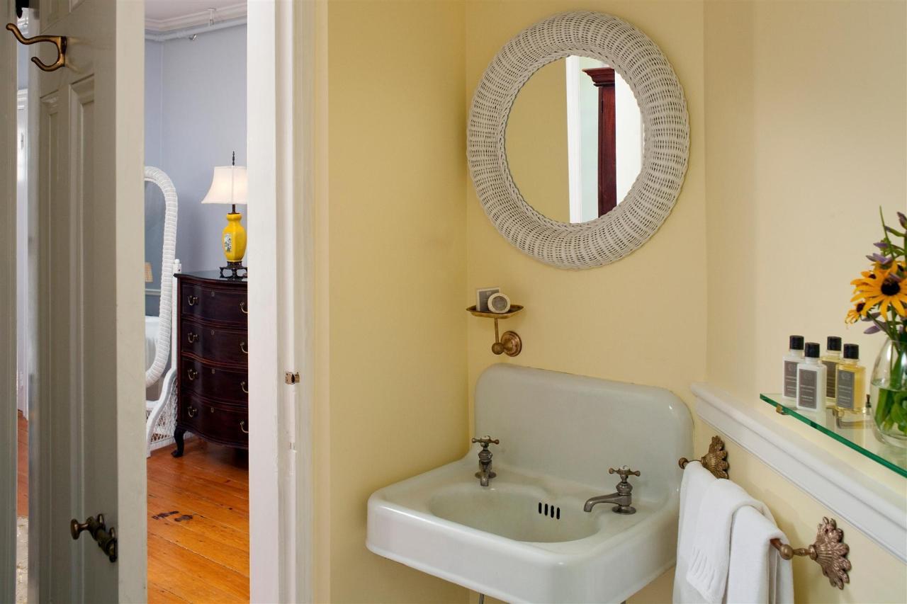 guestroom-lancaster-3-2684685522-o1.jpg.1920x0.jpg