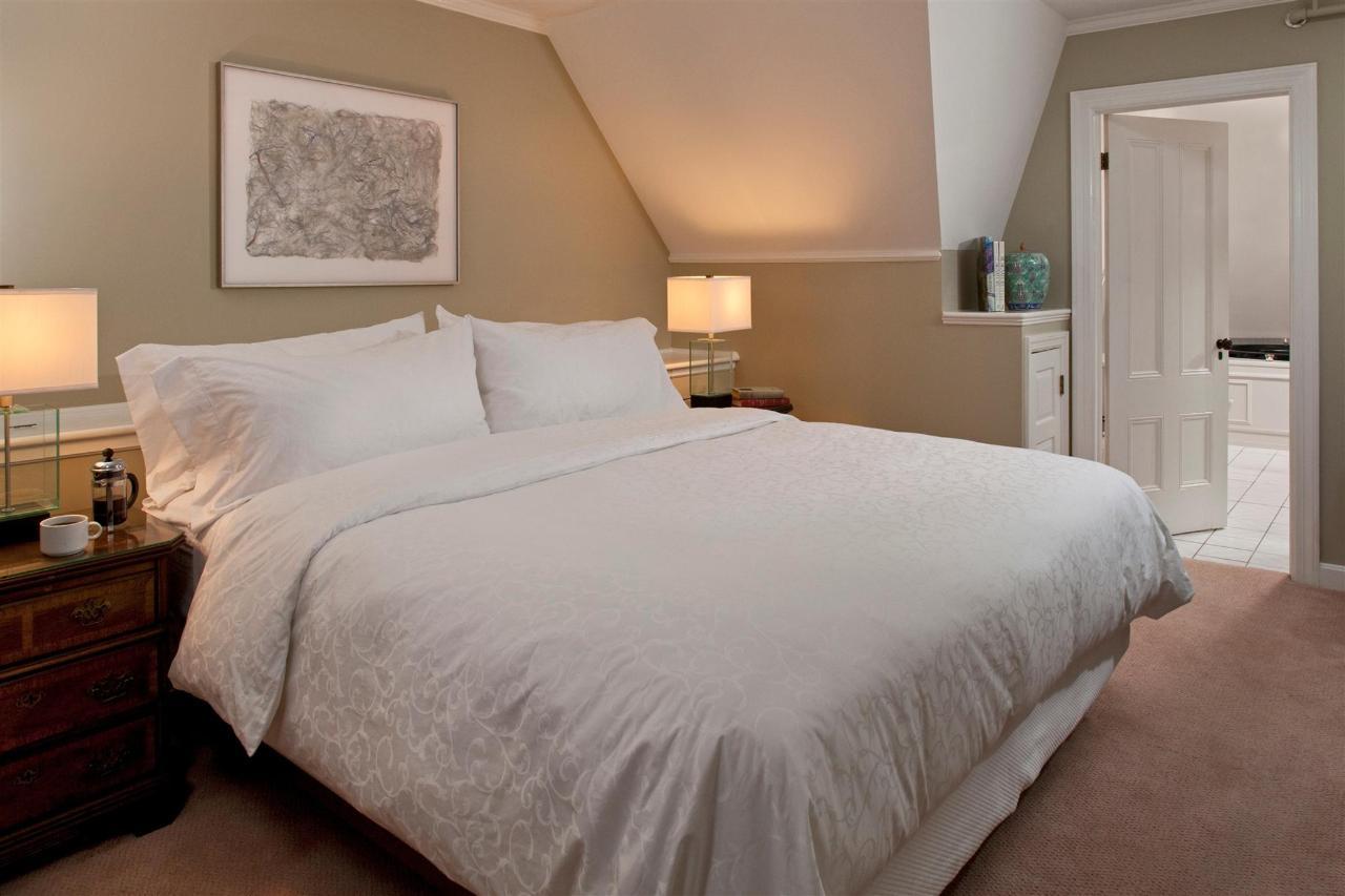 guestroom-penthouse-suite-7-2684687074-o1.jpg.1920x0.jpg