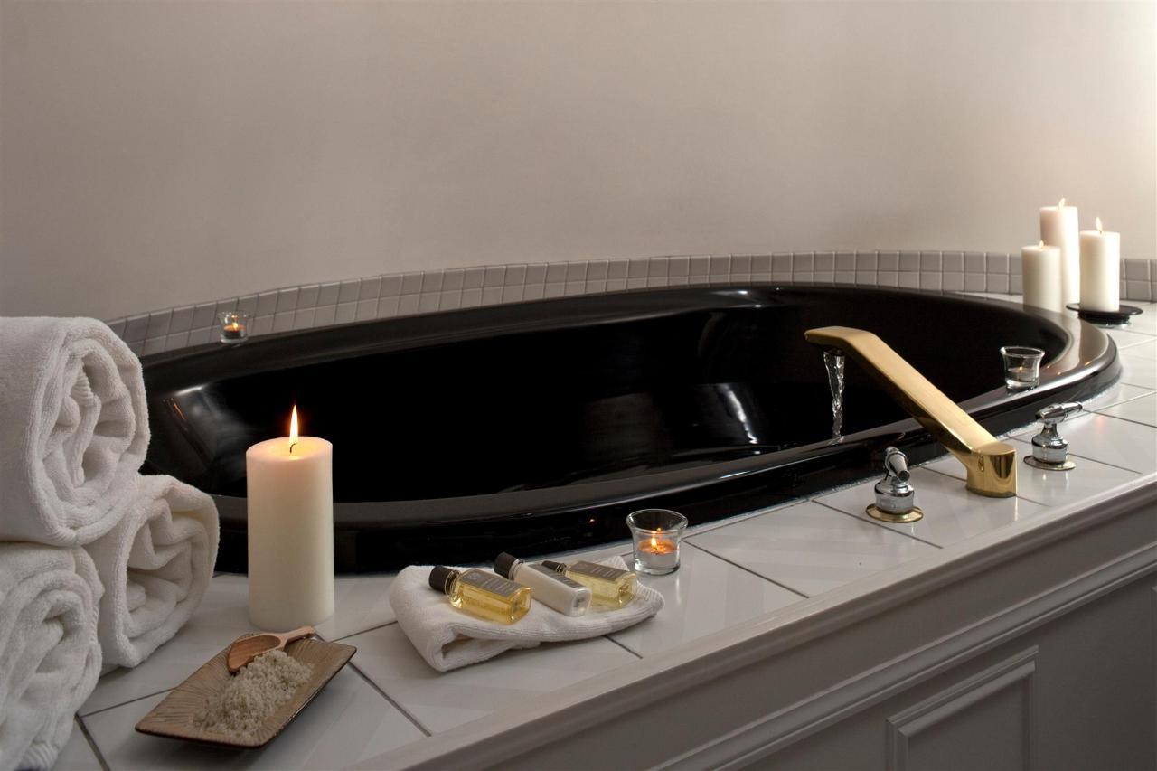 guestroom-penthouse-suite-9-2684687198-o1.jpg.1920x0.jpg
