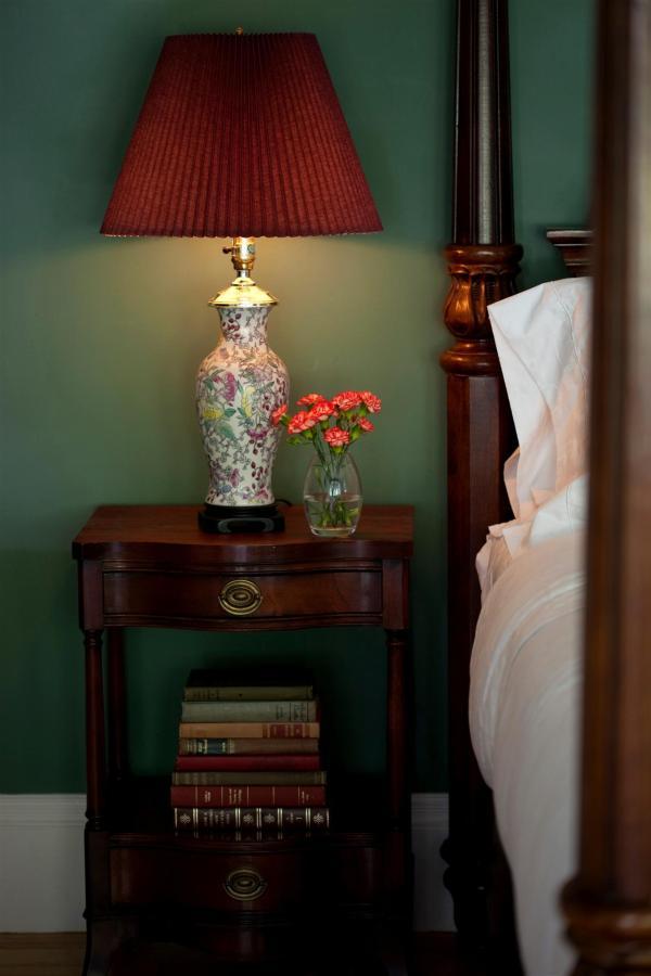 guestroom-sandringham-5-2684687723-o1.jpg.1920x0.jpg