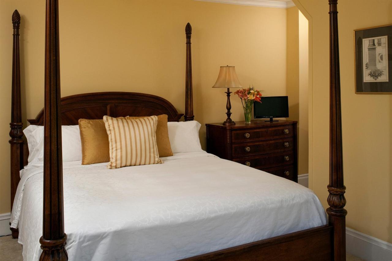 guestroom-windsor-3-2684689166-o1.jpg.1920x0.jpg