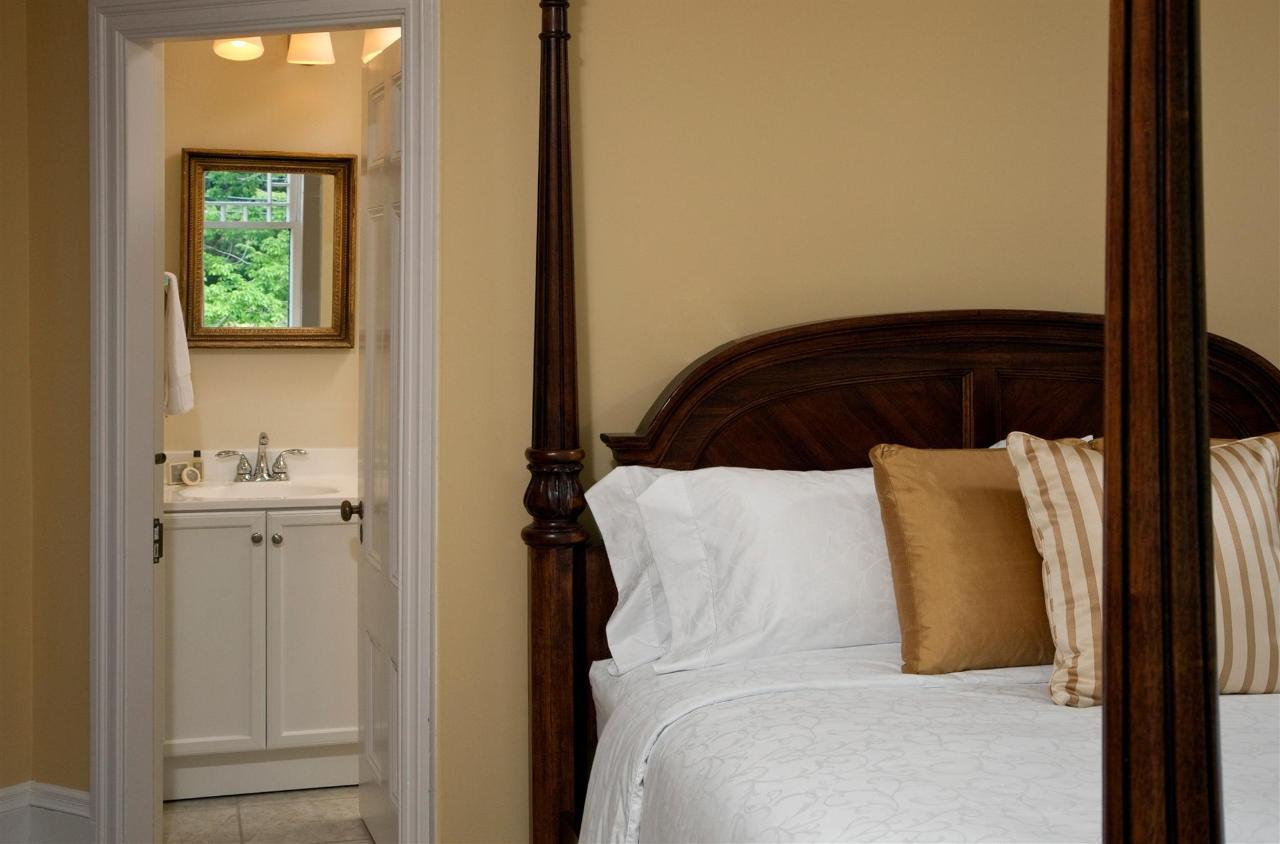 guestroom-windsor-4-2684689144-o1.jpg.1920x0.jpg