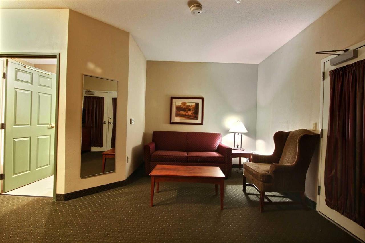 presidential_suite-3.jpg
