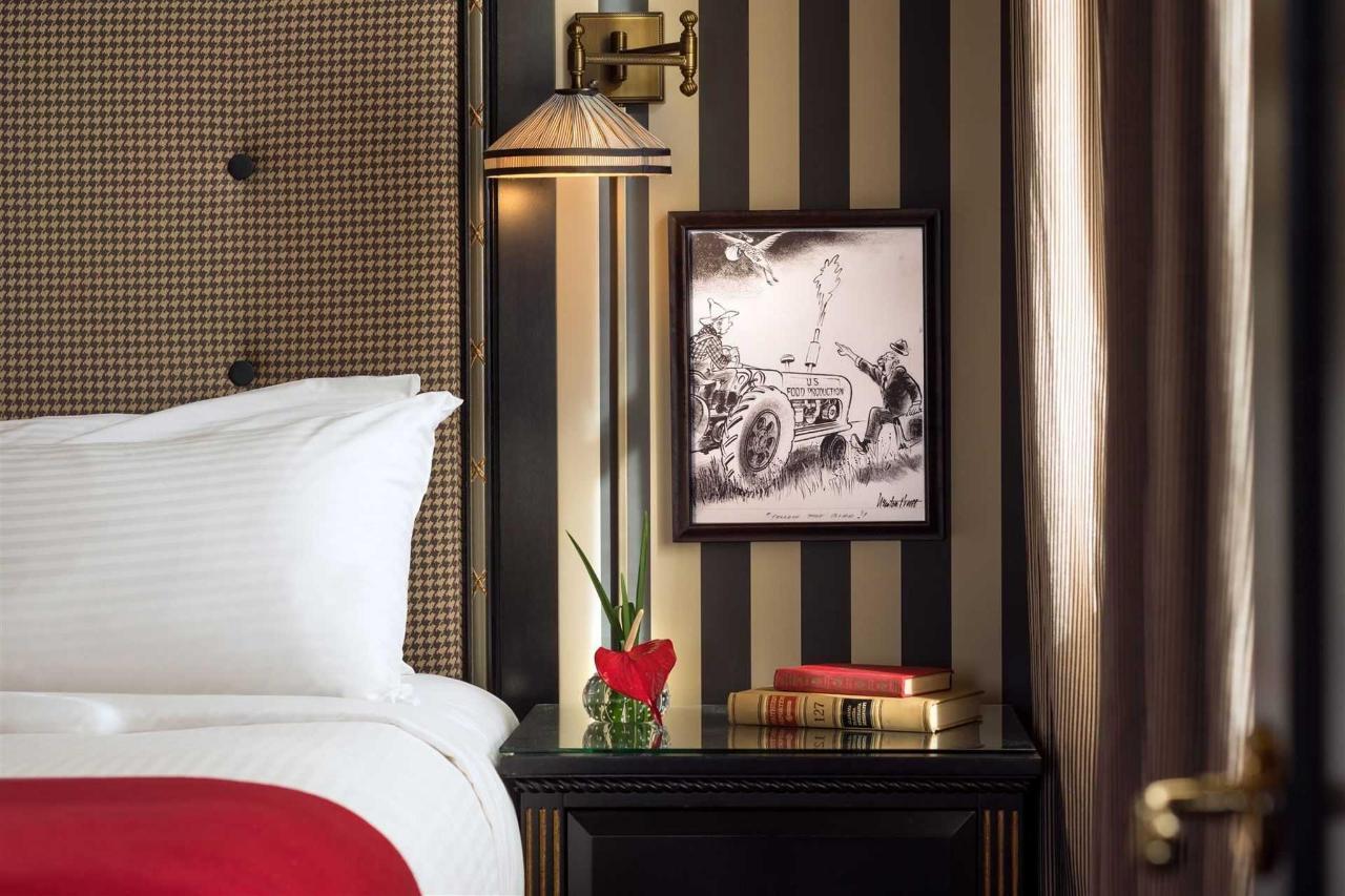 ak_sacak_guest_room_night_stand_detail-1.jpg