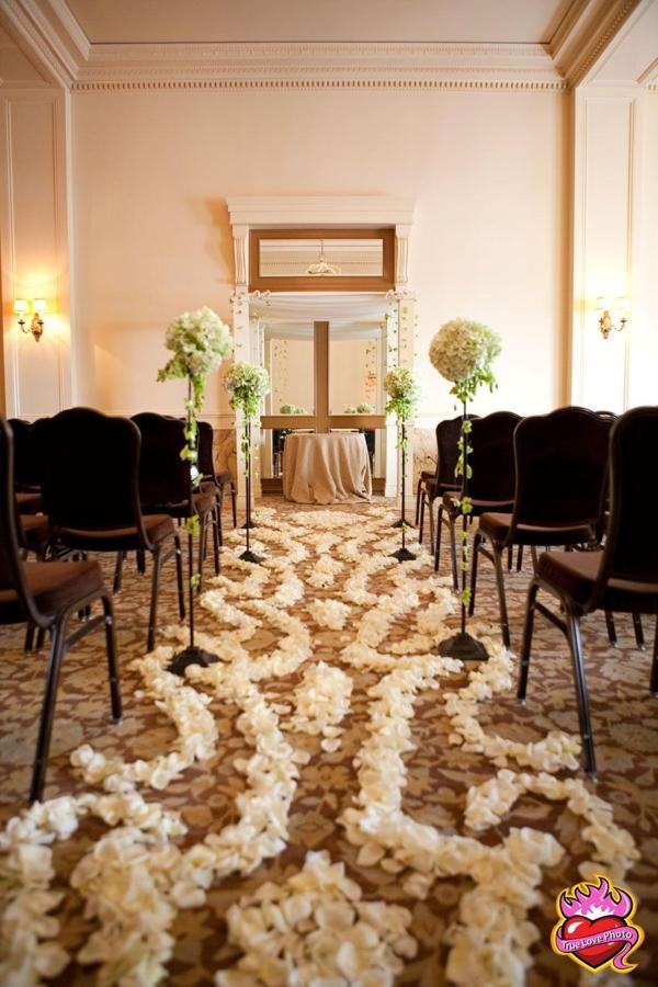 west-facing-ballroom-ceremony.JPG