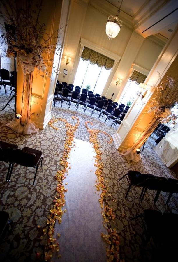 ballroom-ceremony-aisle-2.JPG