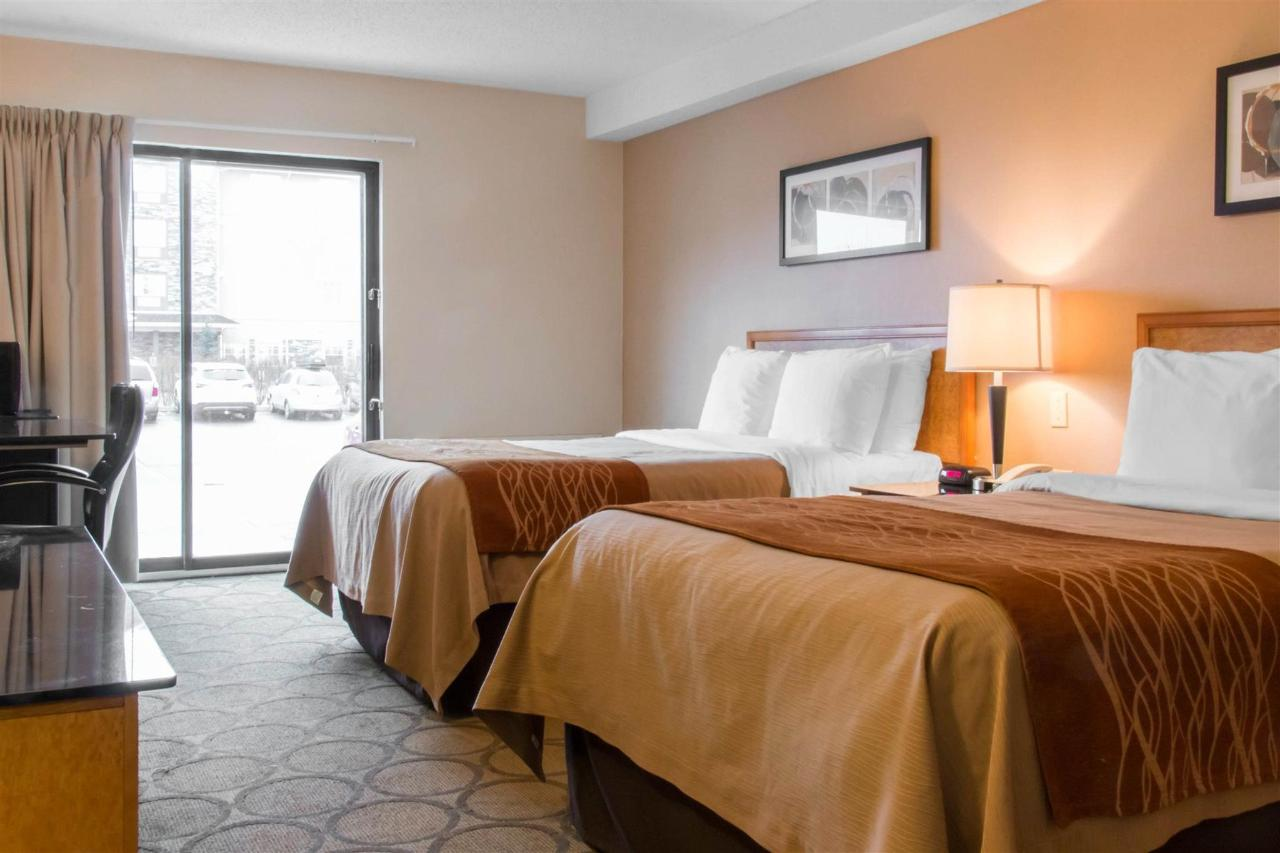 drive-up-guestroom-with-two-pillowtop-beds.jpg