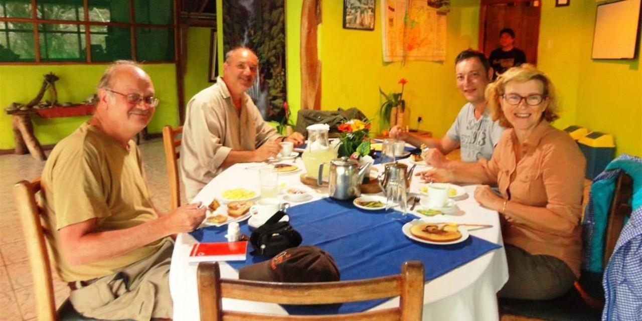 suchipakari-rainforest-hotel-jungle-lodge-ecuador-bar-restaurant-13.JPG.1080x540.JPG
