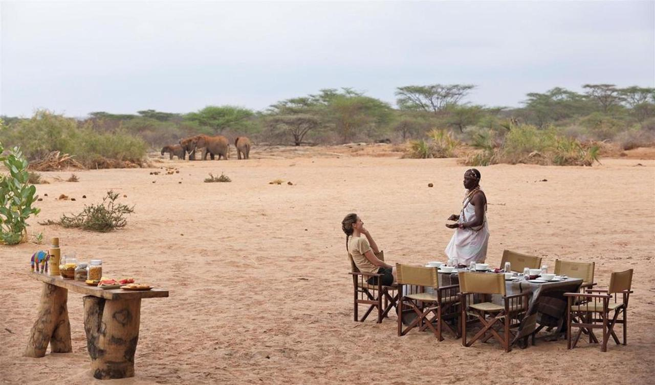 Breakfast in the dry riverbed by the waterhole.jpg