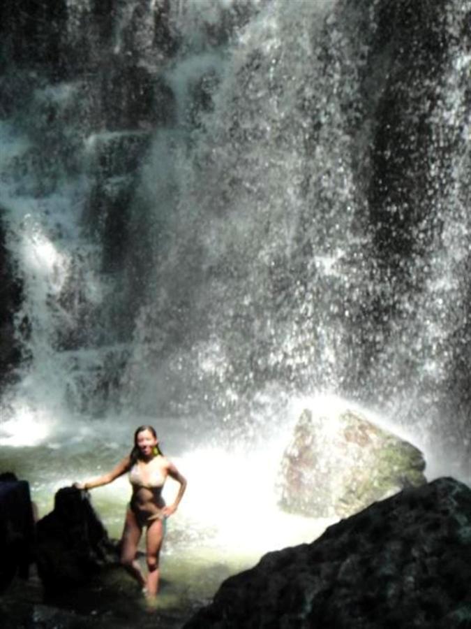 rainforest-jungle-trekking-a-cascade-latas-fine-aroma-of-the-ecuadorian-cacao-converted-in-c-18.jpg.1024x0.jpg