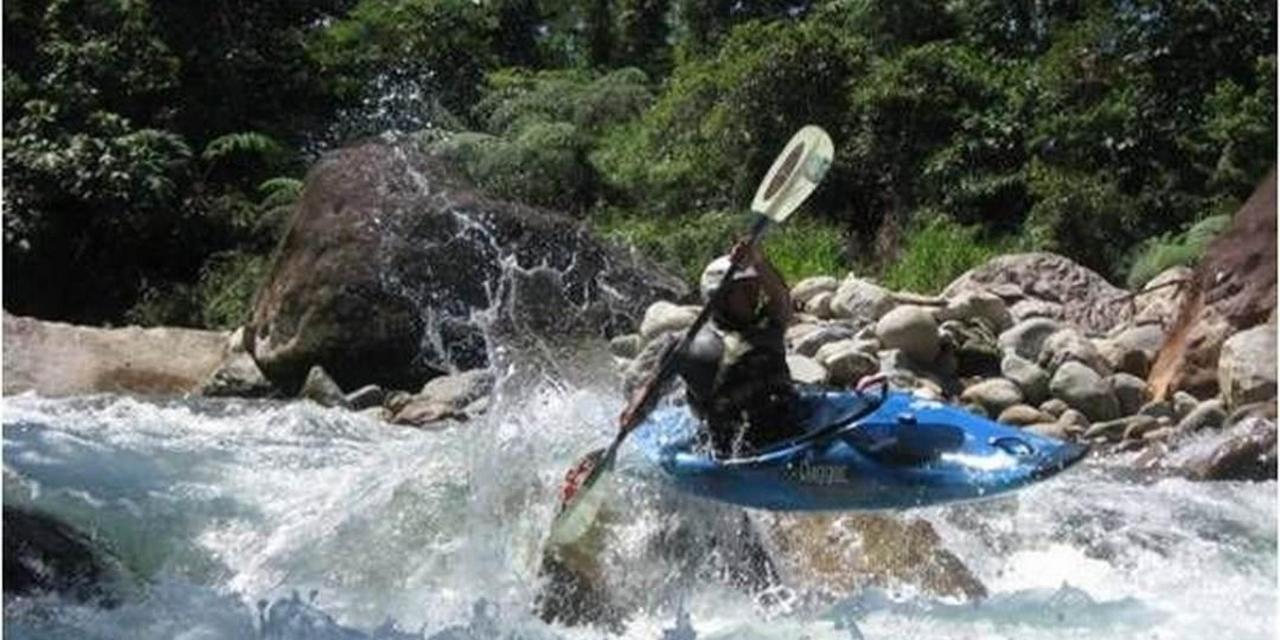 kayaking.jpg.1080x540.jpg