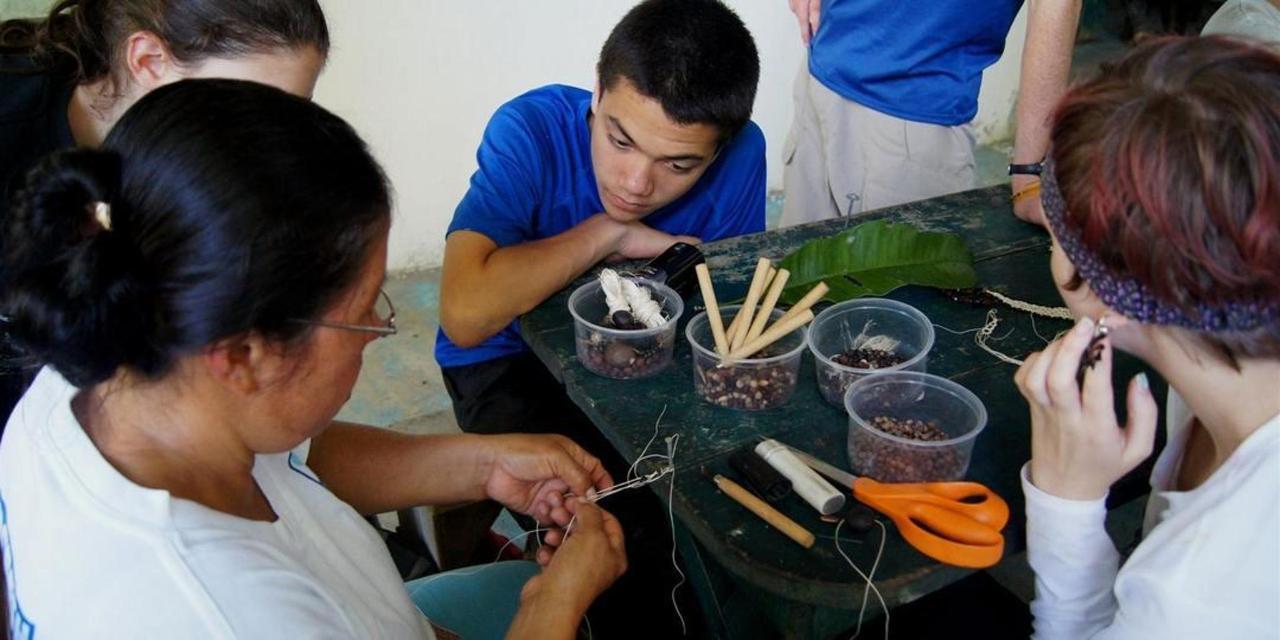 suchipakari-hotel-volunteers-ecuador-27.JPG.1080x540.JPG