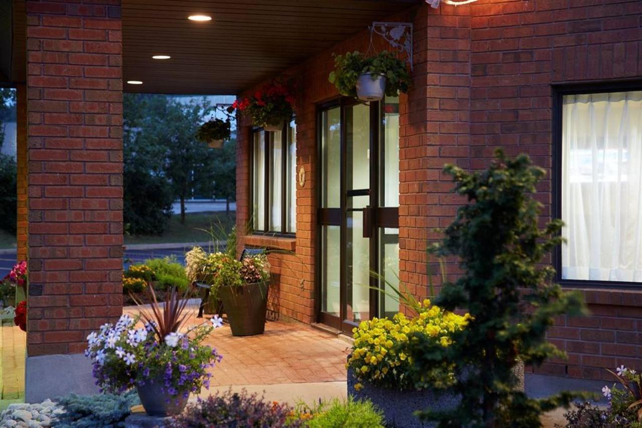 front-door-night-2.jpg.1024x0.jpg