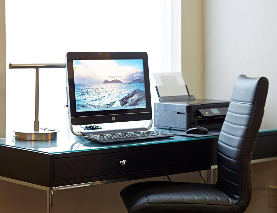 computer-work-station.jpg.1024x0.jpg