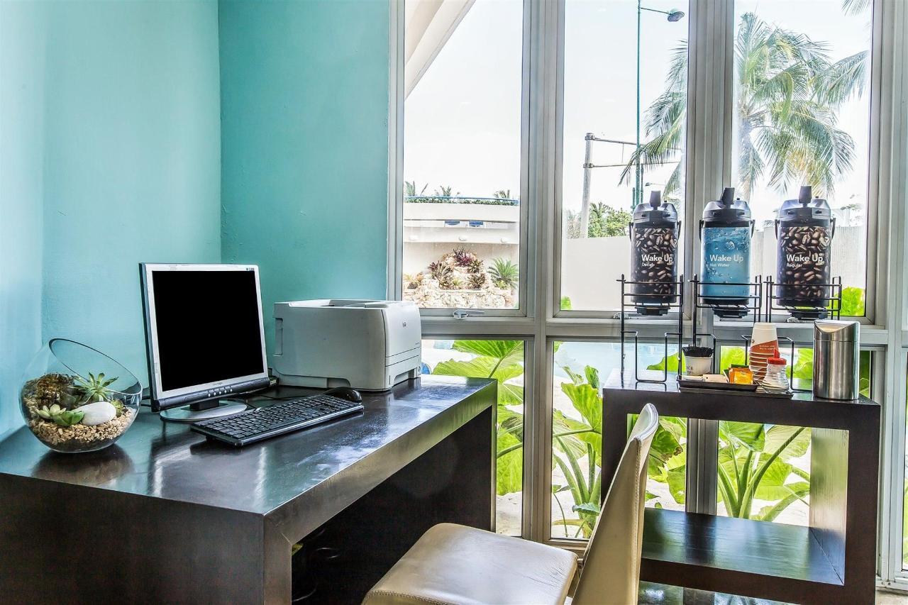 Around the Property,Comfort Inn & Suites Levittown.jpg