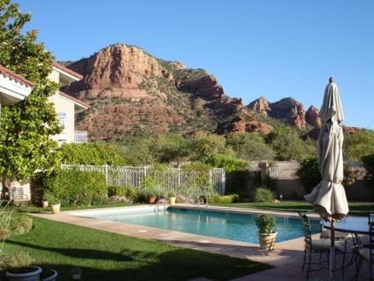 pool-inn-castlec.jpg.1920x0.jpg