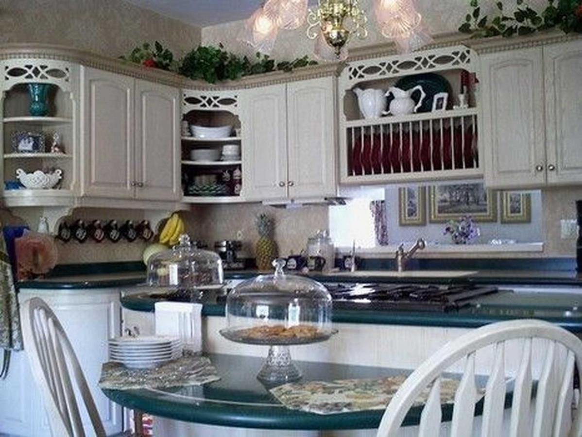 kitchen-informal.jpg.1920x0.jpg