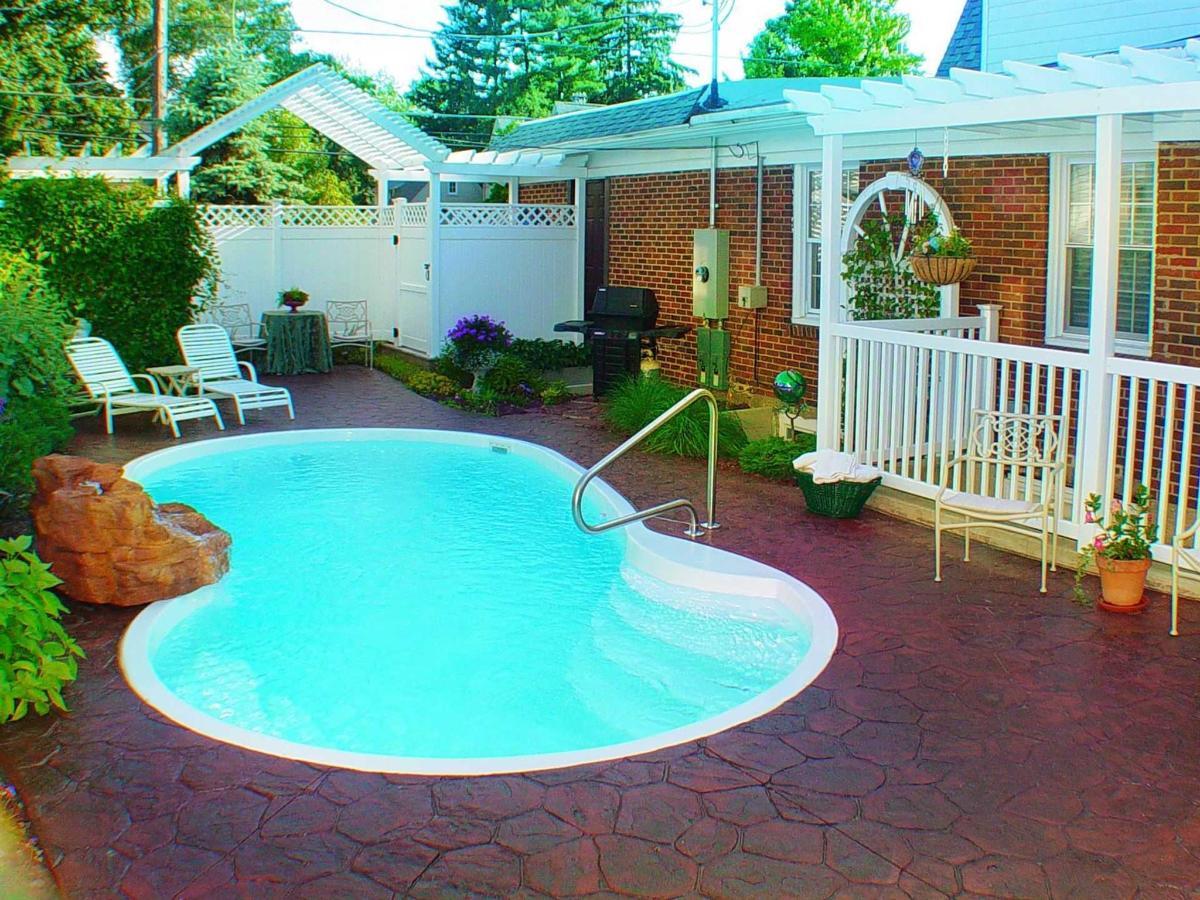pool-1.jpg.1920x0.jpg