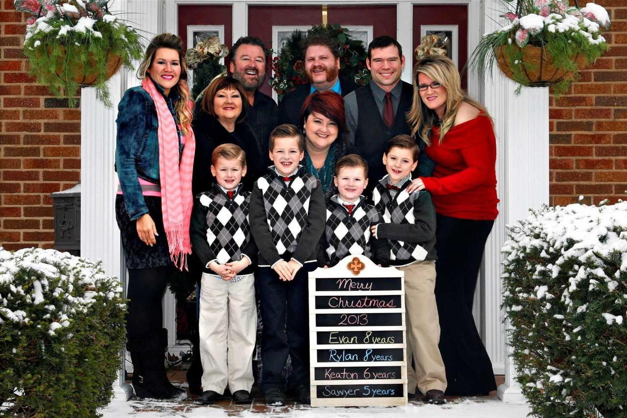 2013-family-picture.jpg.1920x0.jpg