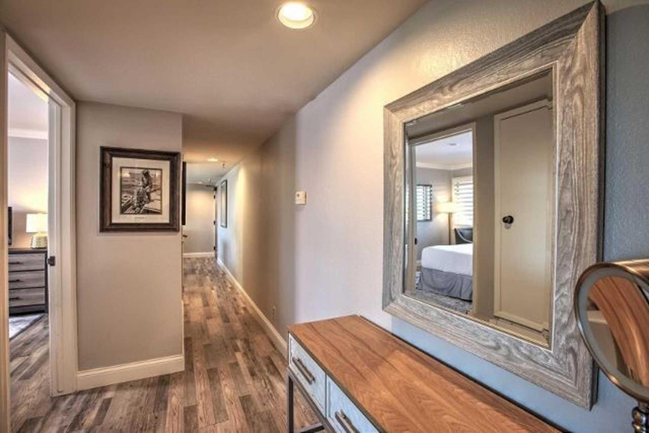 hallway-2.jpg.1920x0 (1) .jpg