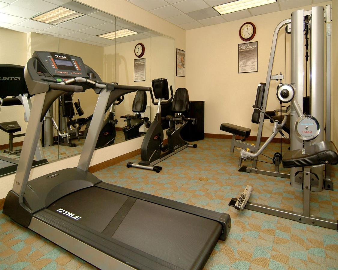 fl947-gym1.jpg