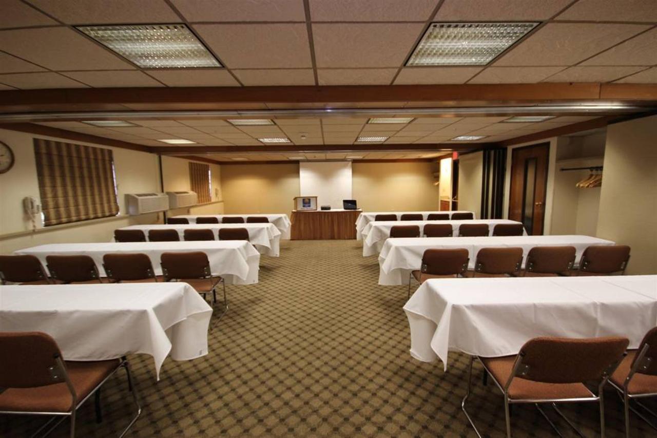Montana Room - Classroom.JPG
