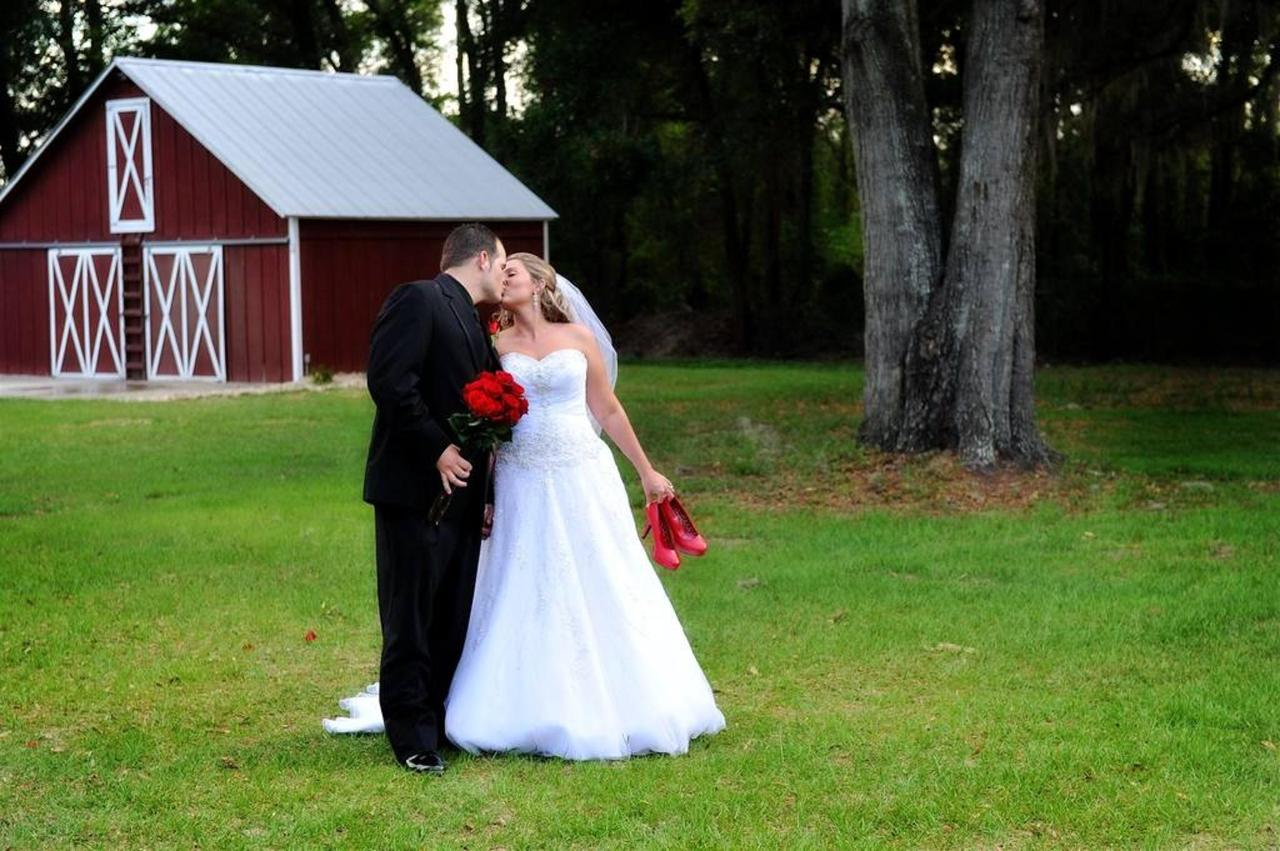 bogan-stephens-wedding-by-barn-copy.jpg.1024x0.jpg