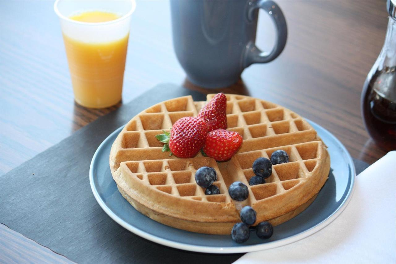 Waffles | Comfort Inn Belleville | Belleville | Ontario | Canada.jpg