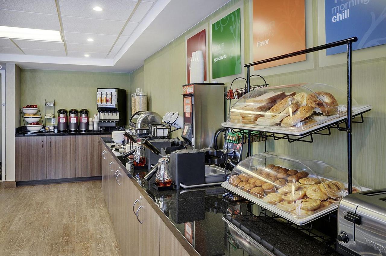 Breakfast | Comfort Inn Belleville | Belleville | Ontario | Canada.jpg