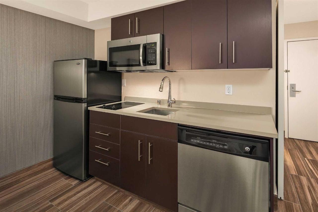 studio-kitchen.jpg.1920x0.jpg