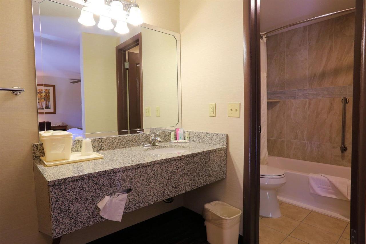 nk-343-vanity-bath.jpg