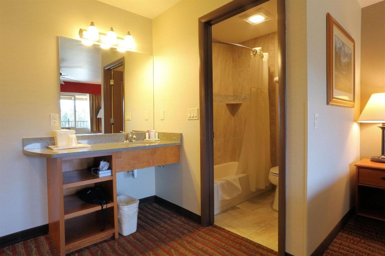 nk-vanity-bath.jpg