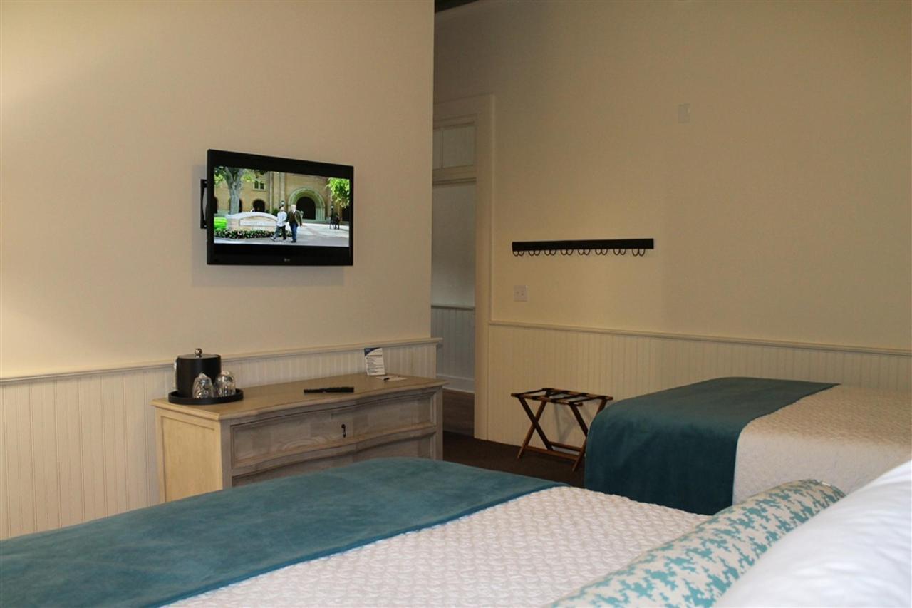 grand-penthouse-double-queen-bedroom.JPG.1024x0.JPG