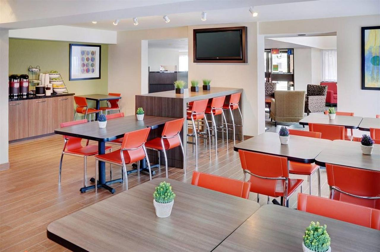 come-and-experience-the-newly-renovated-comfort-inn.jpg.1024x0.jpg