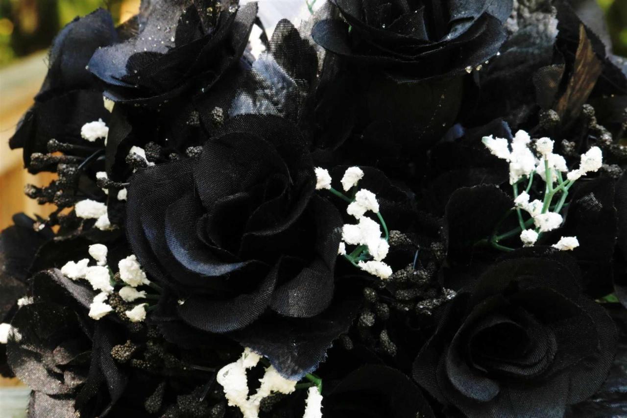flowers-black.JPG.1920x0.JPG