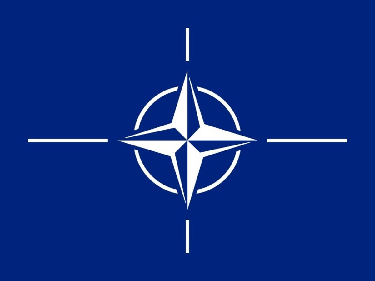 800px-flag-of-nato-svg.jpg