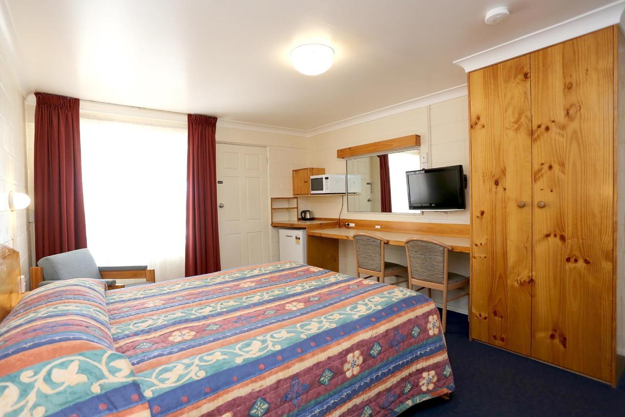 Downstairs Room 1c - Copy.jpg