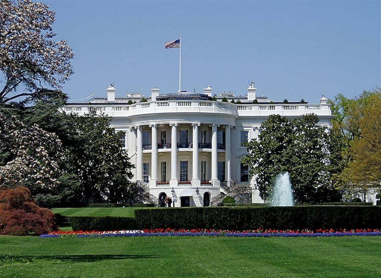 800px-whitehousesouthfacade.JPG.1024x0.JPG