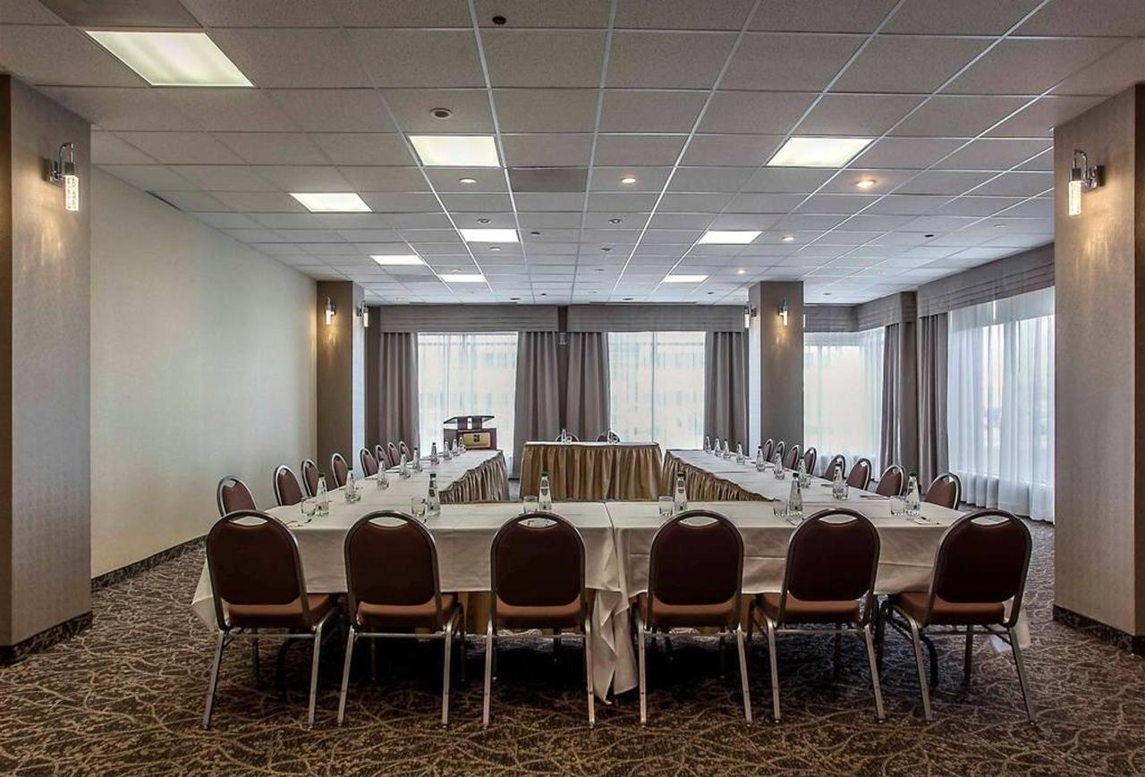 meeting-room-1.jpg.1024x0.jpg