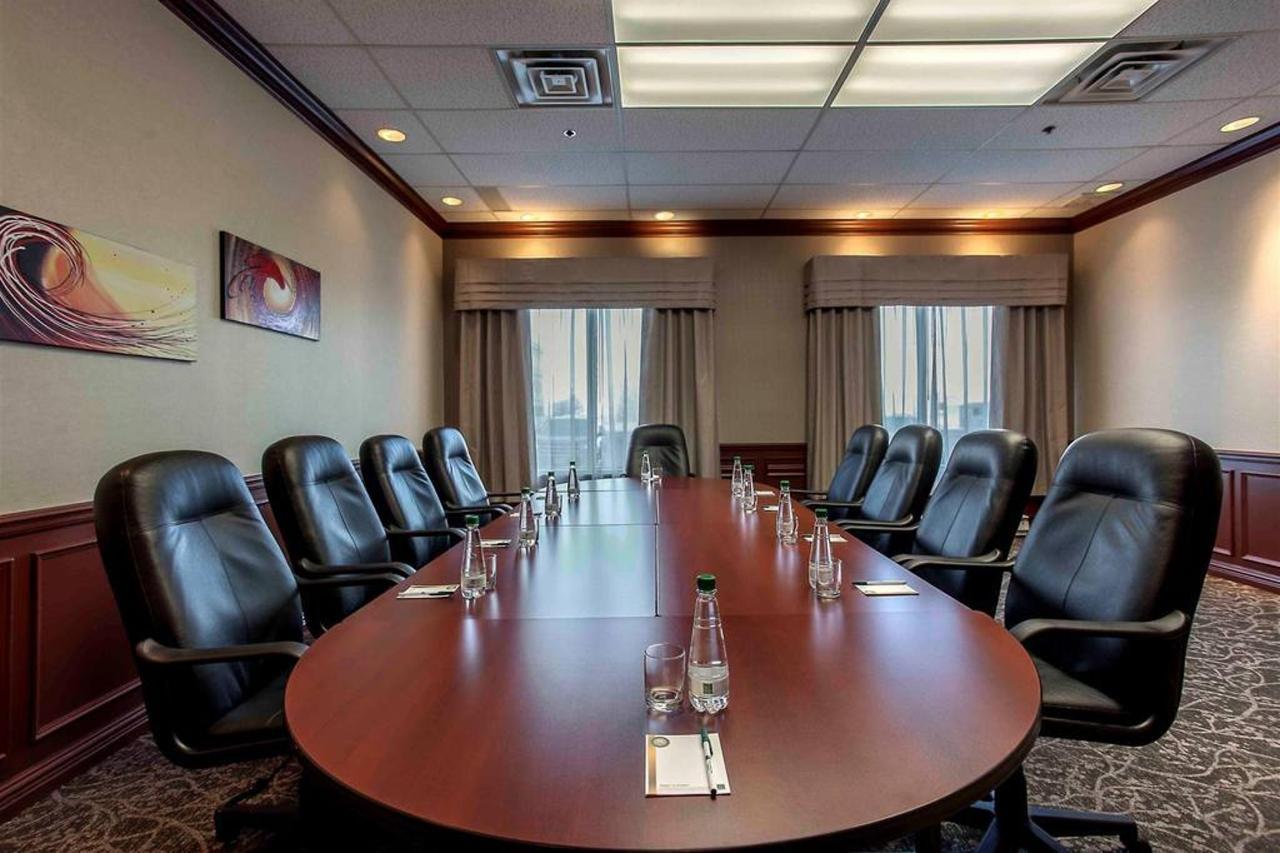 salle de conférence-1-2.jpg.1024x0 (1) .jpg