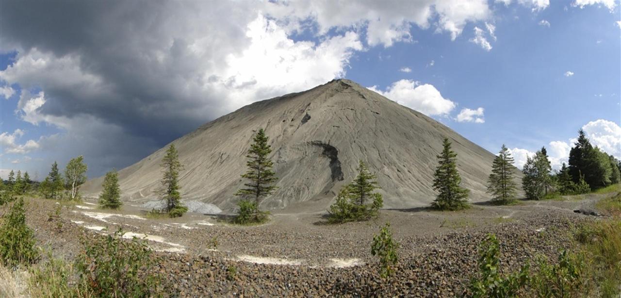 amiante-mine-résidus-montagne-1.jpg.1024x0.jpg