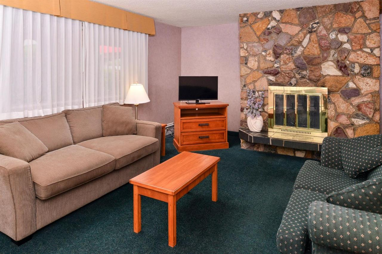 2-bedroom-suite.jpg