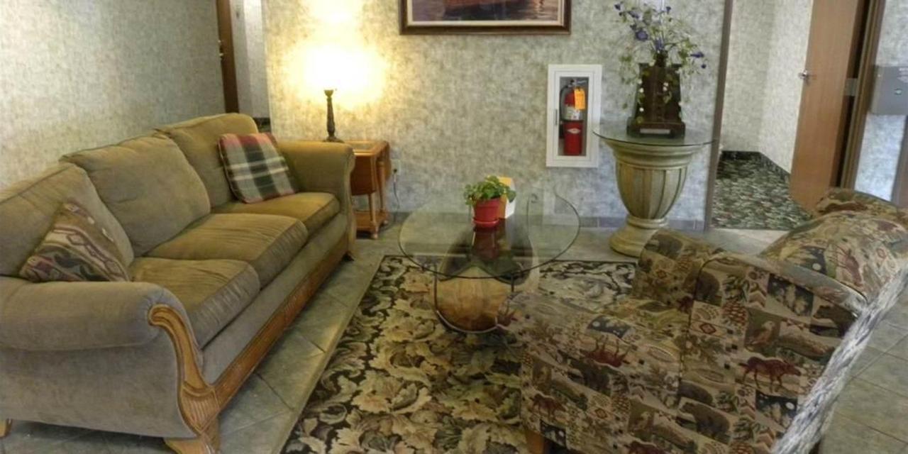 lobby-comfort-inn-hotel.jpg