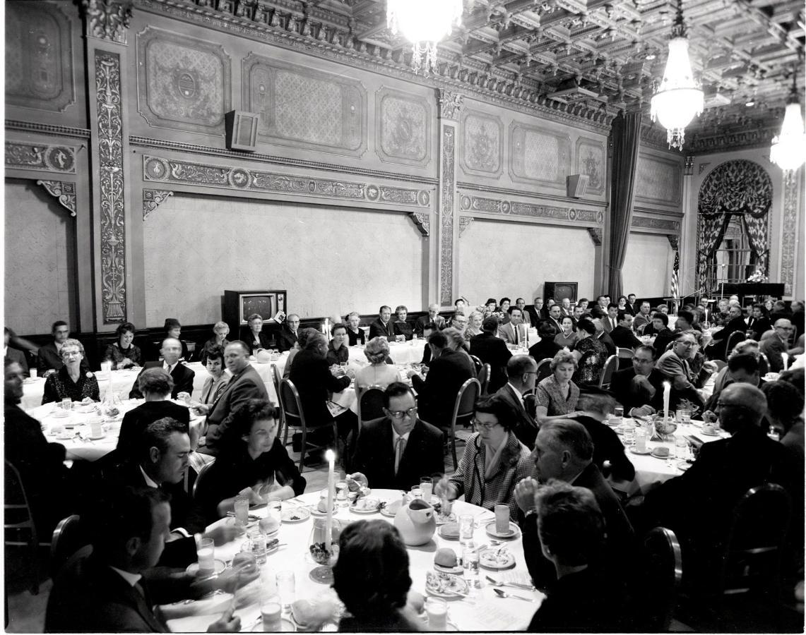 hotel-ben-lomond-alumni-banquet-1961-11.jpg
