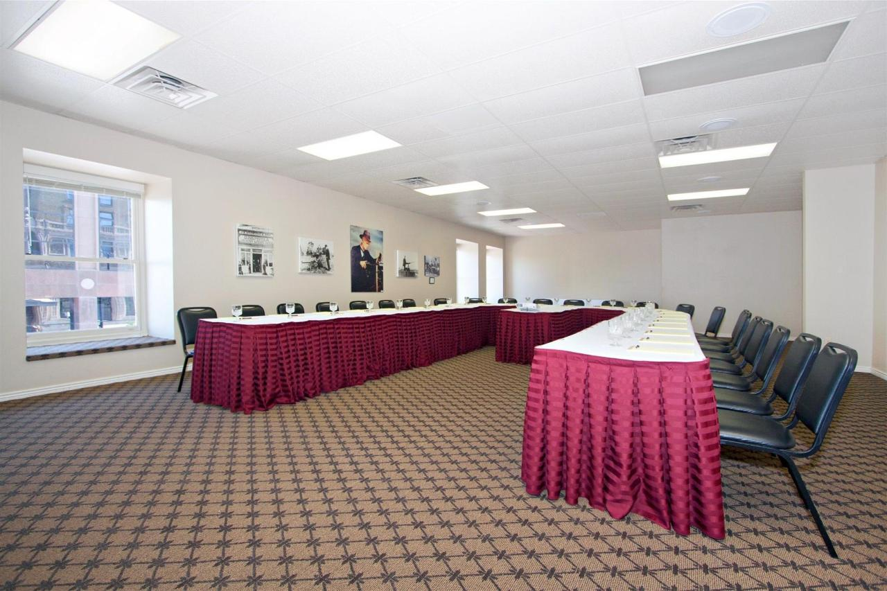 ut162-conferenceroom-021.JPG