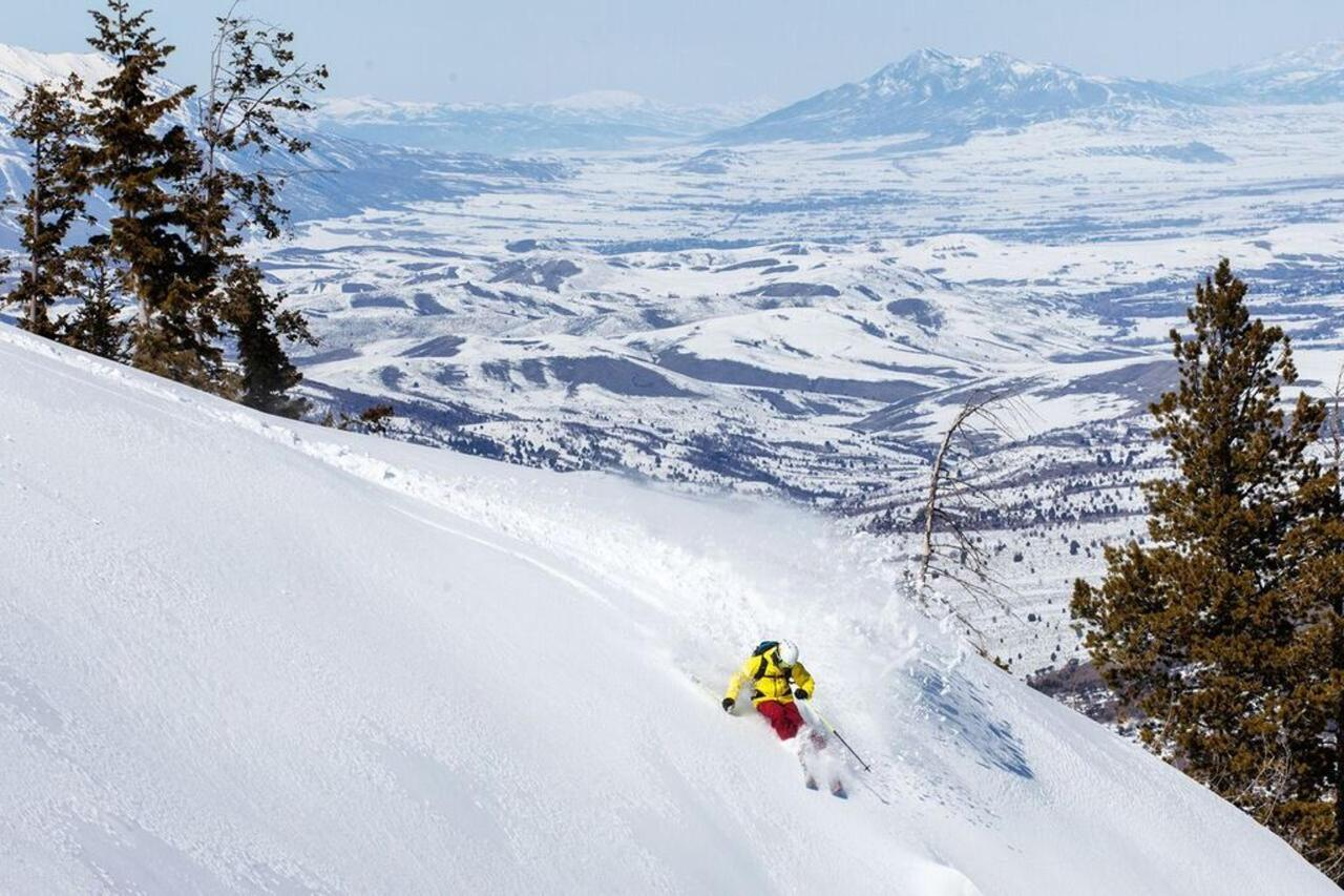 skiing-snowbasin-ogden.jpg