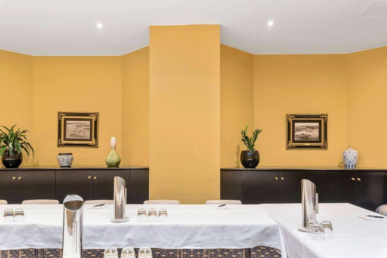 006_club-meeting-room_level-1_castlereagh-boutique-hotel_sydney-cbd-meeting-room.jpg.1024x0.jpg