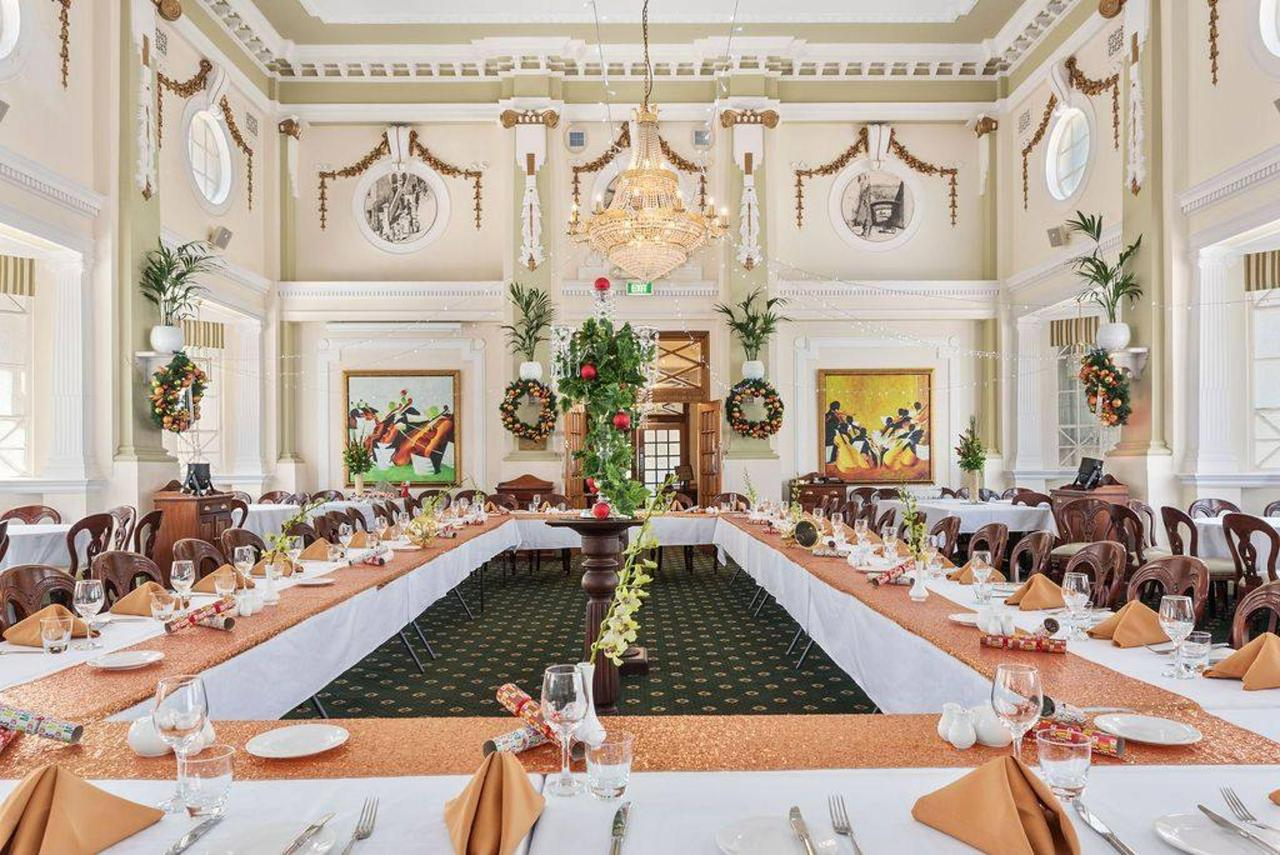 023_cellos-grand-dining-room-_christmas-theme_castlereagh-boutique-hotel-sydney-cbd-functions-and-events.jpg.1024x0.jpg