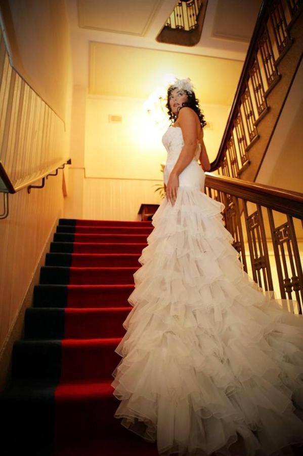 bride-on-stairs-small.jpg.1024x0.jpg